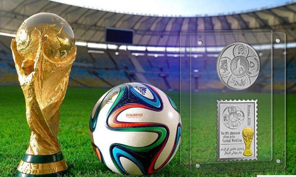 رونمایی از سکههای یادبود جام جهانی 2018 و ضرب اولین تمبرینه طلا و نقره در دنیا (+عکس)