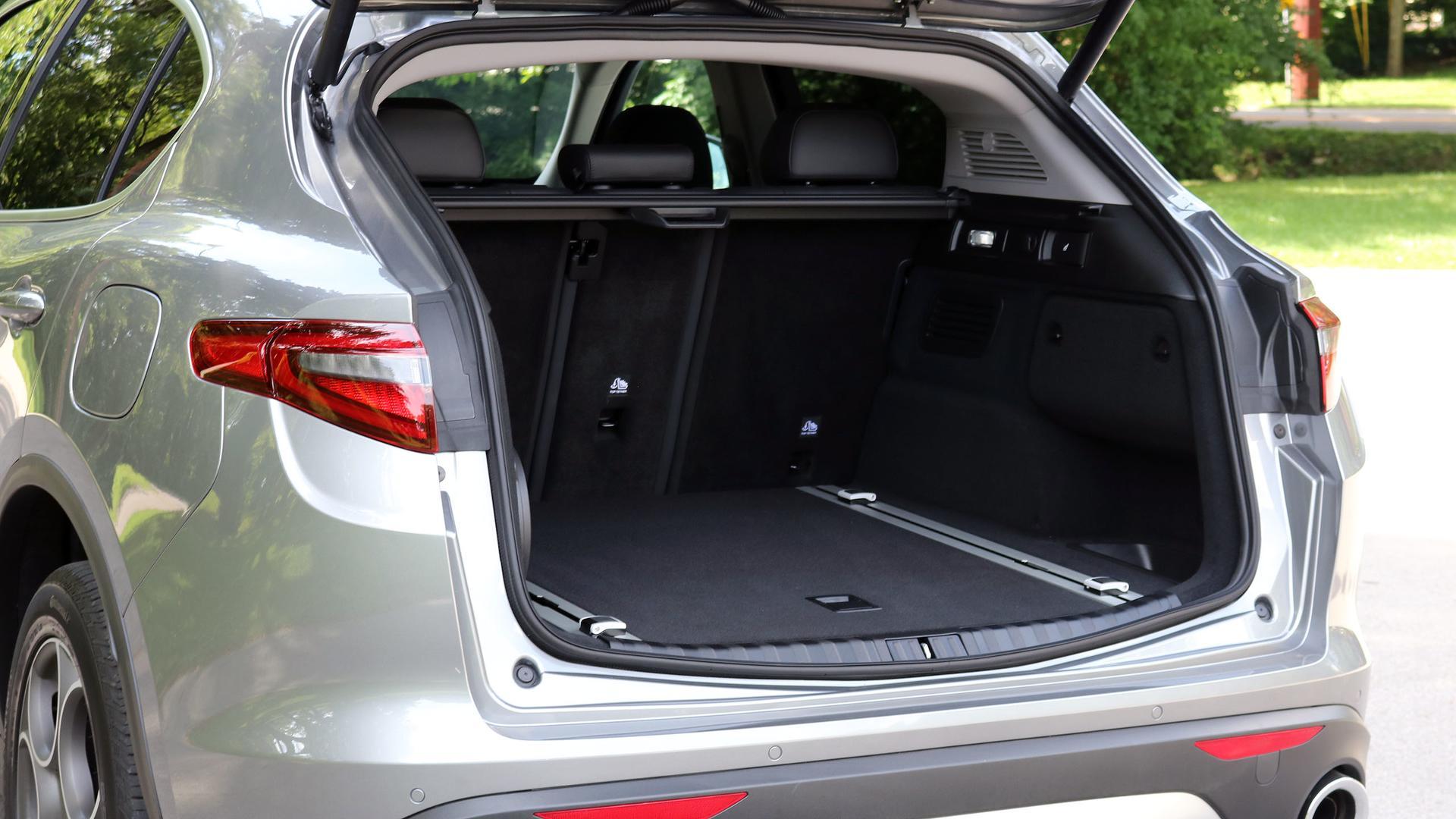 استلویوی 2019، سبکتر، ارزانتر از همیشه/ این خودرو با قابلیت دیفرانسیل عقب ارائه میشود