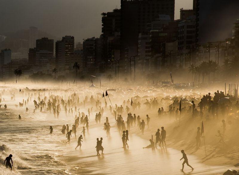 مه غلیظ سواحل ریودوژانیرو (عکس)