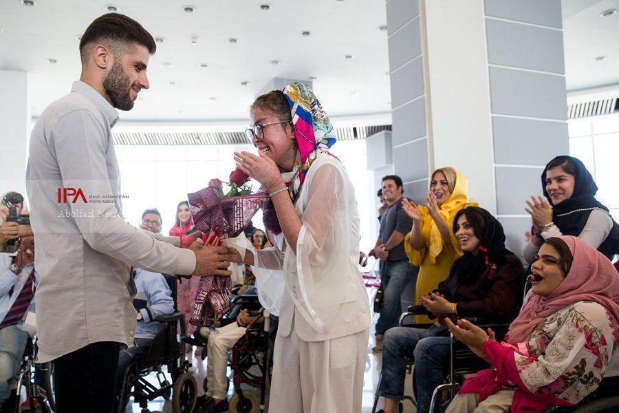 لحظه خواستگاری در حاشیه فشن شوی افراد داری معلولیت در تهران (عکس)