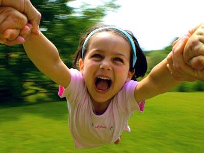شادی کودکانمان؛ مهمتر از درس خواندنشان
