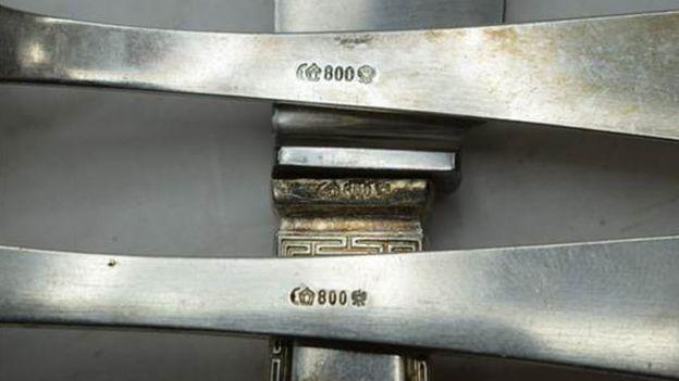 قاشق و چنگالهای هیتلر به فروش رفت (عکس)
