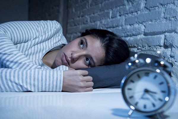 5 دلیل بیدار شدنهای مکرر شبانه