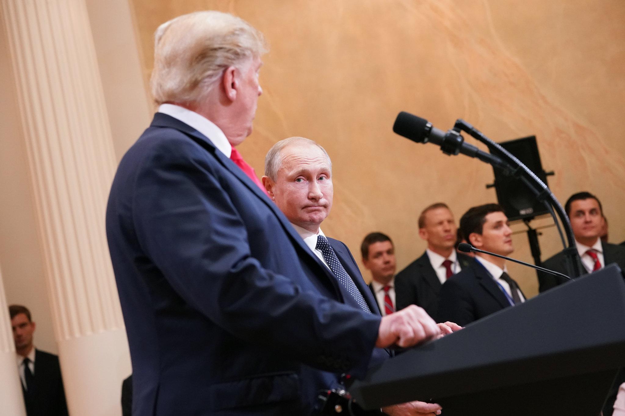 ترامپ و پوتین در نشست خبری در هلسینکی/ ترامپ: با پوتین درباره افزایش فشار به ایران صحبت کردم / پوتین: به ترامپ گفتم که با خروج او از برجام مخالفیم