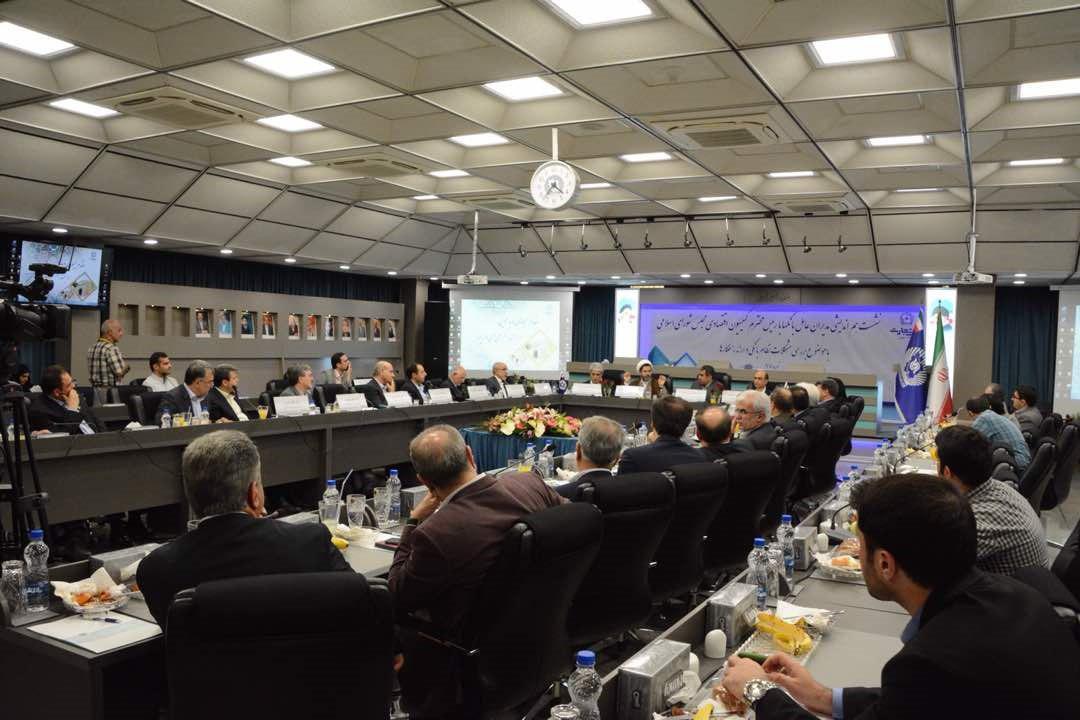 بررسی مشکلات ساختار نظام بانکی با حضور کمیسیون اقتصادی مجلس