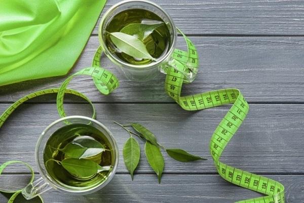 از بهترین نوشیدنیها برای کمک به کاهش وزن