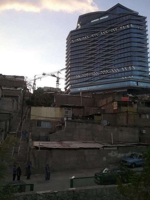 همسایگی کاخ و کوخ در گرانترین محلات تهران (+عکس)