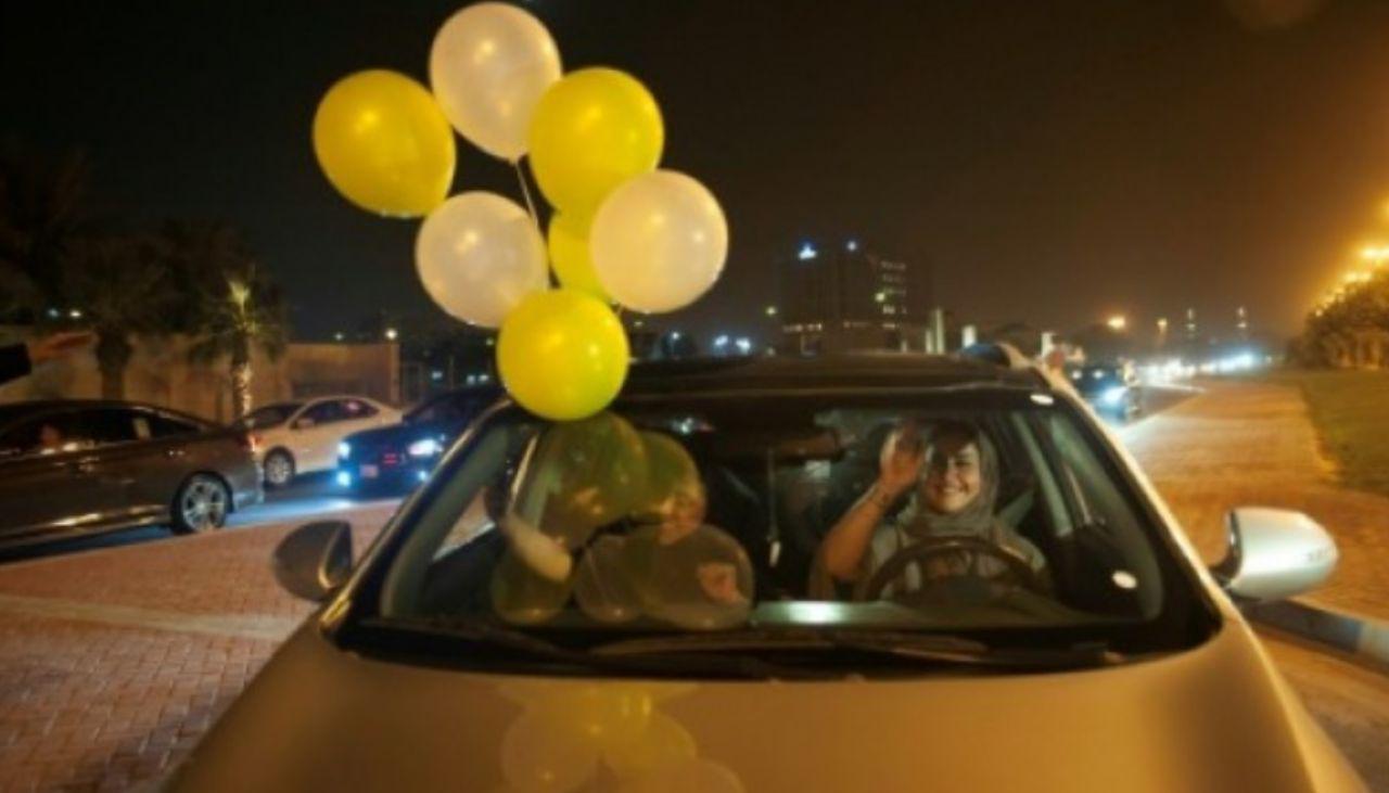 آزادی رانندگی زنان در عربستان سعودی از ساعت ۱۲ دیشب / رانندگان زن به خیابان ها آمدند