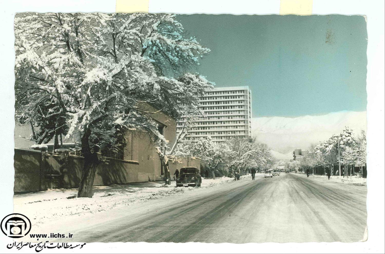 خیابان حافظ در دهه 50 (عکس)