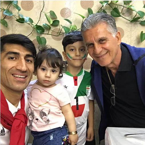 بیرانوند و فرزندانش در کنار کی روش در فرودگاه (عکس)