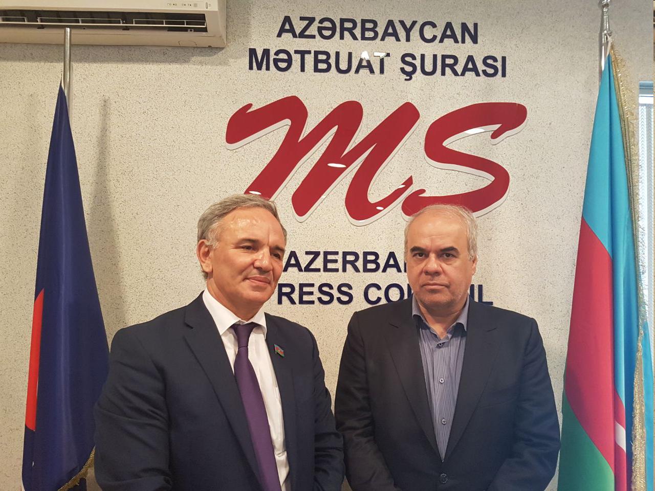 توسعه همکاری های رسانه ای تهران - باکو با امضای یک سند تفاهم