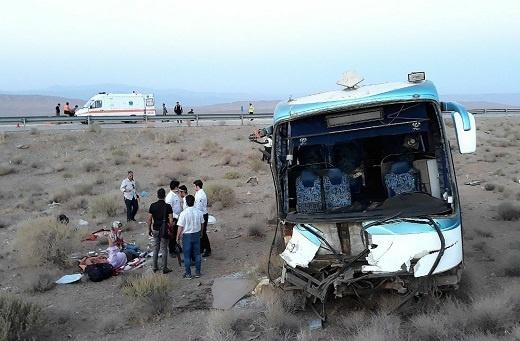 24 مصدوم در سانحه تصادف اتوبوس در آزادراه ساوه - همدان (+ عکس)