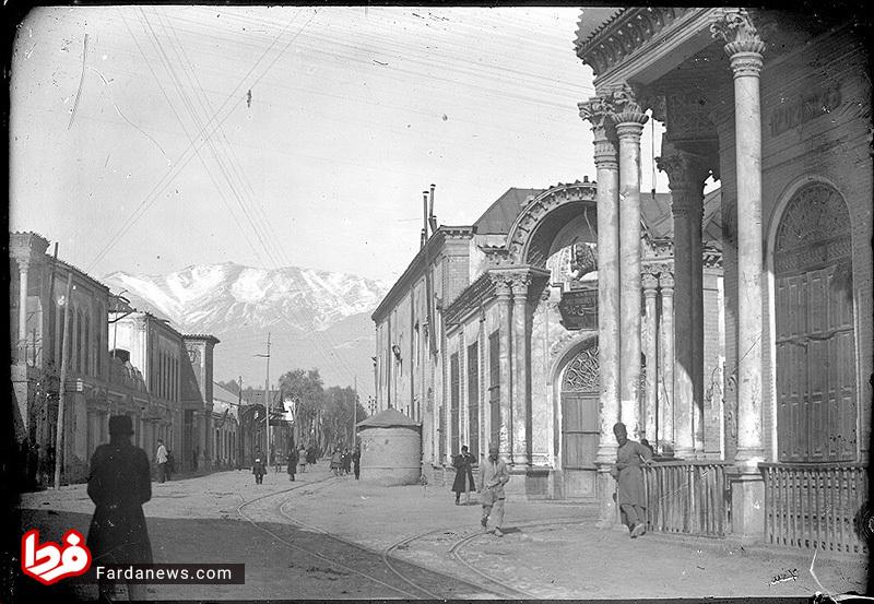 خیابان لاله زار تهران در دوره قاجار (عکس)