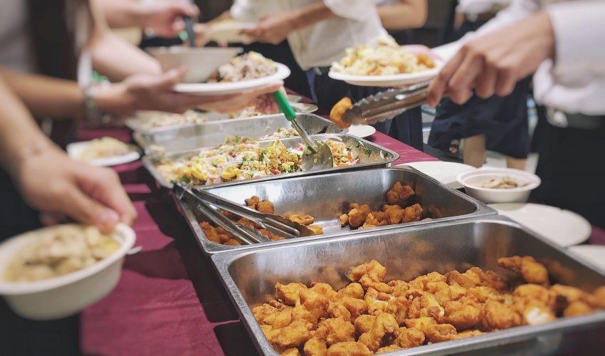 انتخاب نادرست غذای پرسنلی، عاملی برای کاهش بهره وری سازمانها