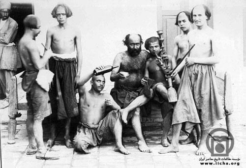 ژست اراذل و اوباش تهران در عکس یادگاری دوره ناصرالدین شاه