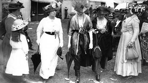 مرگبارترین مدهای زنانه در طول تاریخ (+عکس)