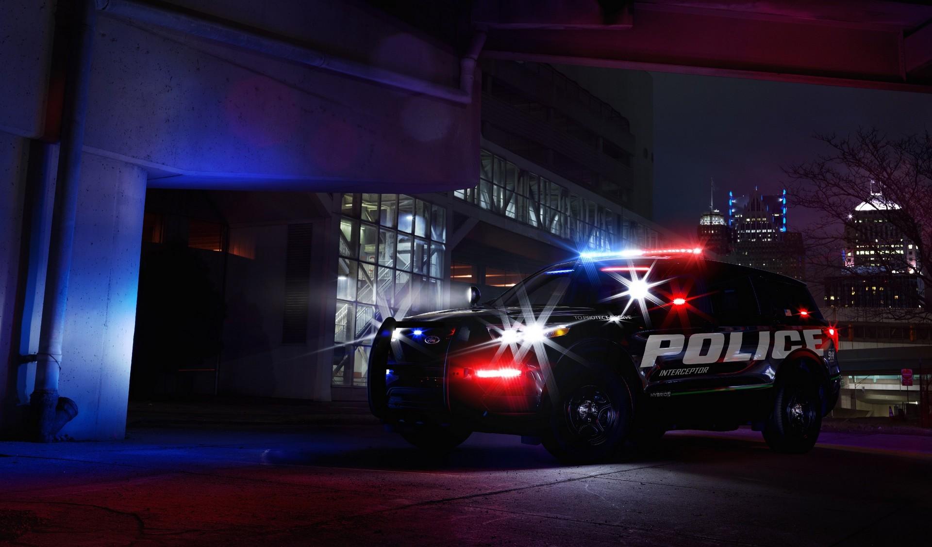 ارتقاء ماشین پلیس در آمریکا/ سرعت و فناوری بیشتر در خودروهای امنیتی فورد
