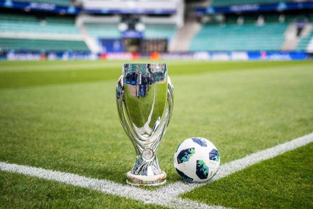 رونمایی از توپ جدید لیگ قهرمانان اروپا
