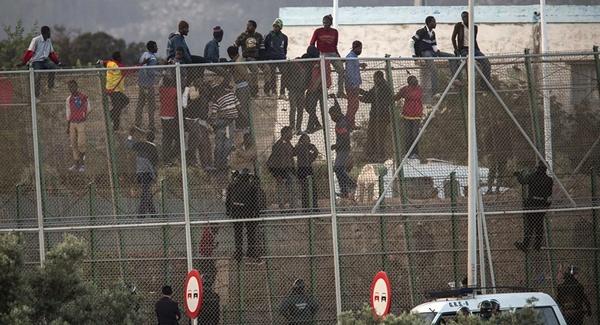هرج و مرج در مرز اسپانیا با مراکش /ورود بیش از 600 پناهجو به اسپانیا