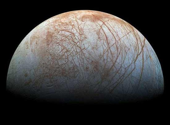 فاصله یک سانتیمتر حیات با سطح قمر مشتری (+عکس)