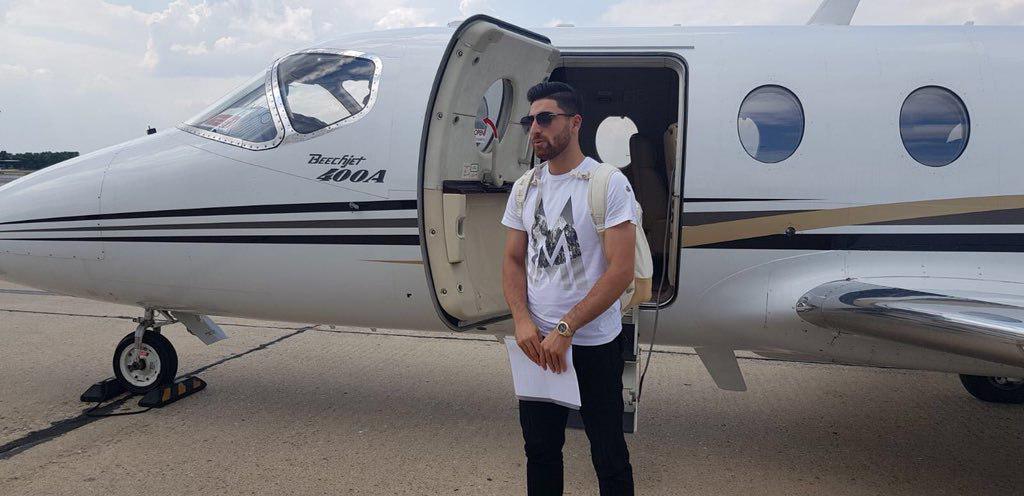 ماجرای پرواز فوتبالیست ایرانی با جت شخصی به انگلیس