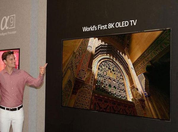 رونمایی از نخستین تلویزیون اولد 8K در جهان (+عکس)