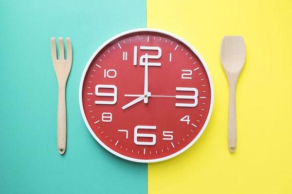 وقت مناسب برای غذا خوردن چه زمانی است؟