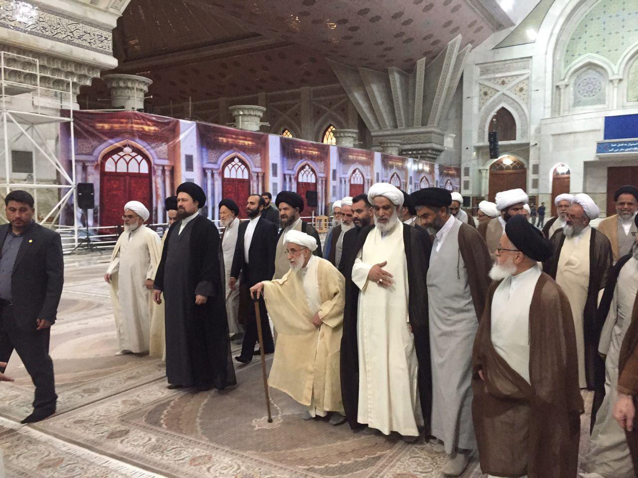 حضور آیت الله جنتی و اعضای مجلس خبرگان در مرقد امام(+عکس)