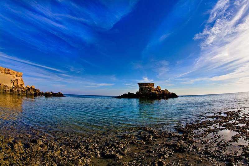 قشم تنها مانده است/ زیر پوست شگفت انگیزترین جزیره ایران زخمهای زیادی است