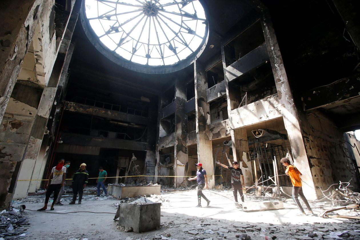 وال استریت ژورنال: آشوب در بصره و جنگ آمریکا و ایران بر سر نفوذ در عراق