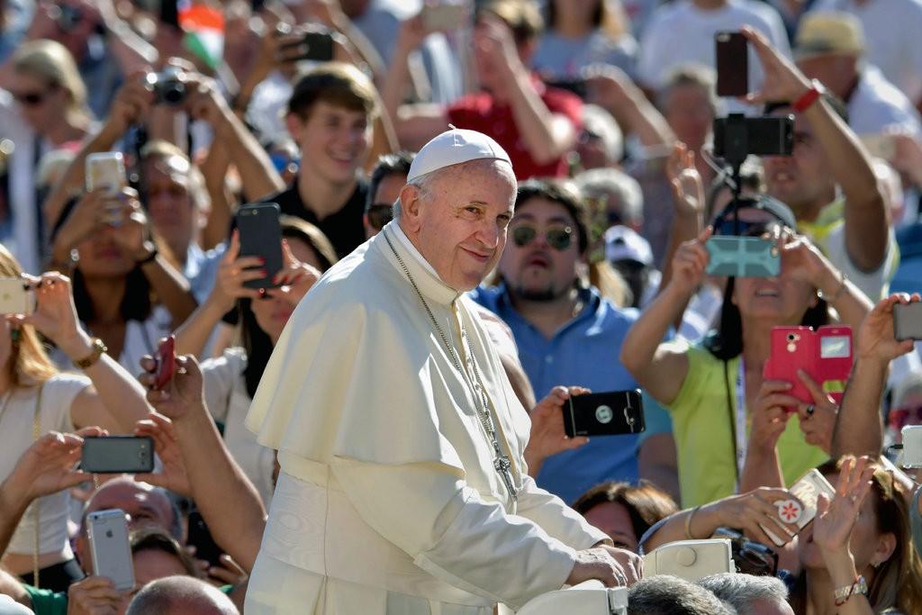 چارهجویی جهانی پاپ برای آزار جنسی کودکان از سوی کشیشها