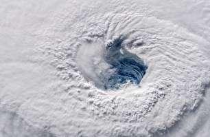 آماده باش آمریکاییها برای طوفان سهمگین (عکس)