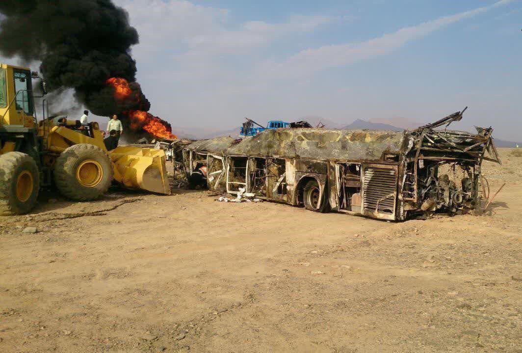 ابعاد جدید حادثه آزادراه کاشان-نطنز/ راننده تانکر مقصر