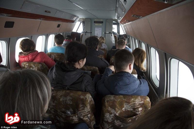 شباهت عجیب هواپیما به تاکسیهای ون (عکس)