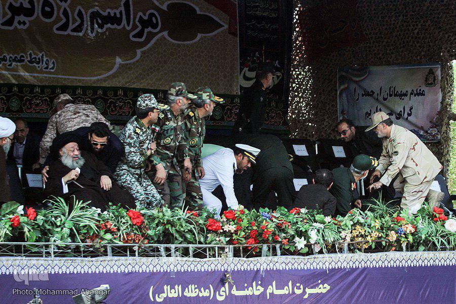 جایگاه رژه نیروهای مسلح در اهواز هنگام تیراندازی تروریستی (عکس)