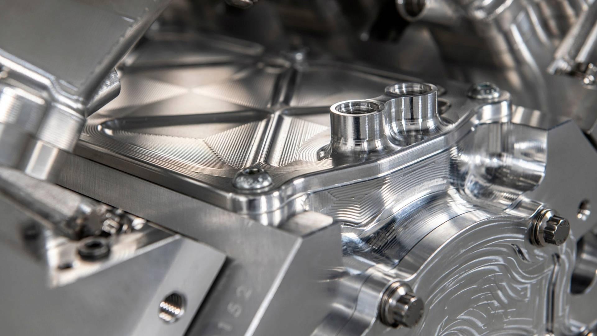 آیا این موتور قدرتمندترین 8 سیلندر جهان است؟