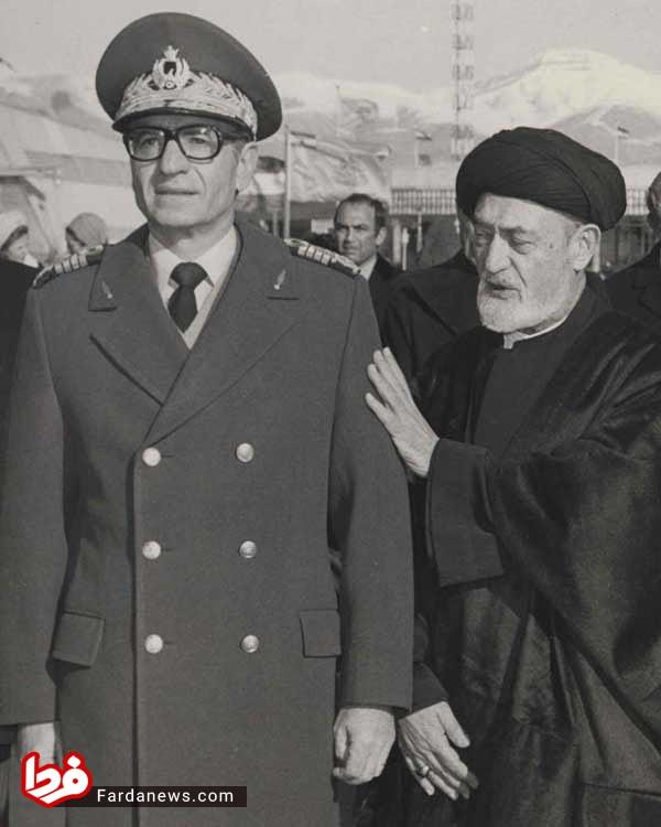 عکس یادگاری امام جمعه تهران با شاه