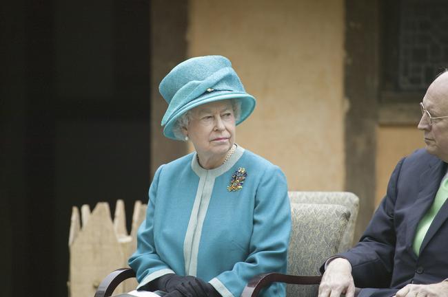 20 قانون عجیب و غریب خانواده سلطنتی بریتانیا