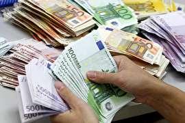 افزایش نرخ یورو دولتی؛ دلار ثابت ماند
