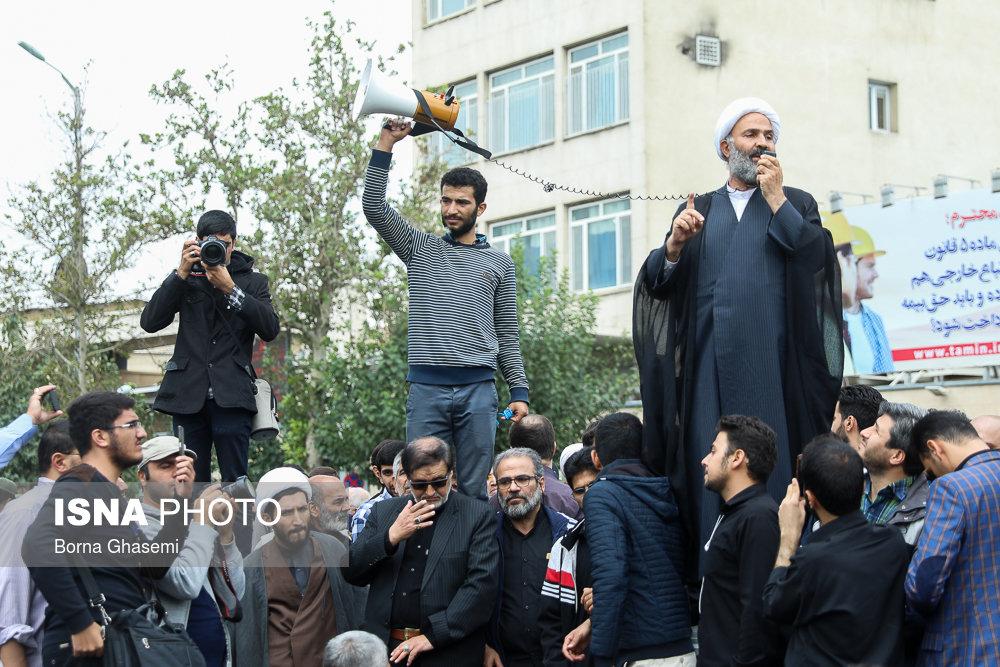 خبرنگار:FATF چیست؟ معترض: نمیدانم! / بازداشتش کنید