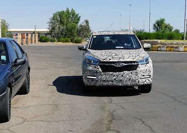 ماجرای خودروی استتار شده در حال تست در ایران چه بود؟ / کراسس اوور جدید به زودی می آید؟ (+عکس)