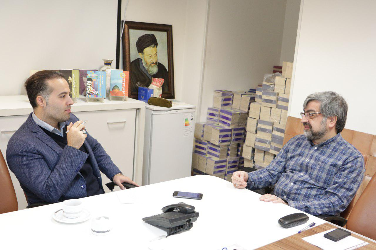 علیرضا بهشتی: اگر پدرم زنده بود شاید از قطار انقلاب پیاده شان می کردند