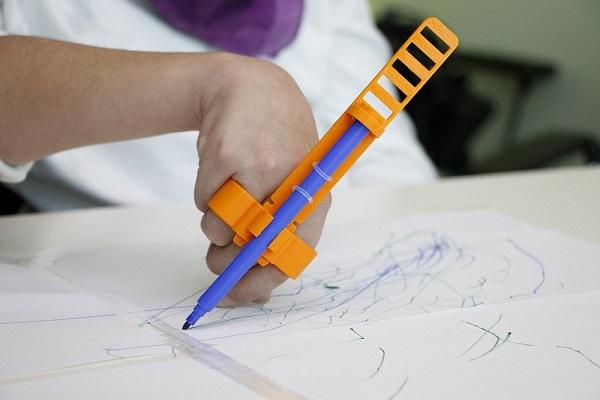 لذت نقاشی برای کودکان معلول!