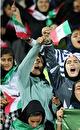 زنان به استادیوم رفتند / اسلام و نظام و کشور پابرجا هستند؛ آسمان هم سرجایش هست