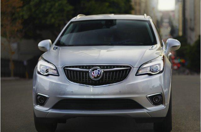 پنجشنبه////ارزانترین خودرو و شاسیهای لوکس 2018