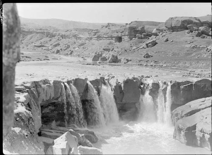 آبشار افرینه پل دختر حدود 50 سال قبل (عکس)