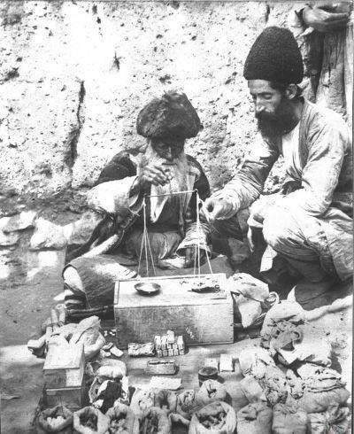 عطاری به سبک قاجار (عکس)