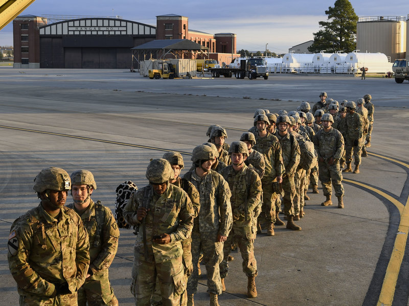 اعزام 15 هزار نظامی آمریکا برای مقابله با مهاجران (+عکس)
