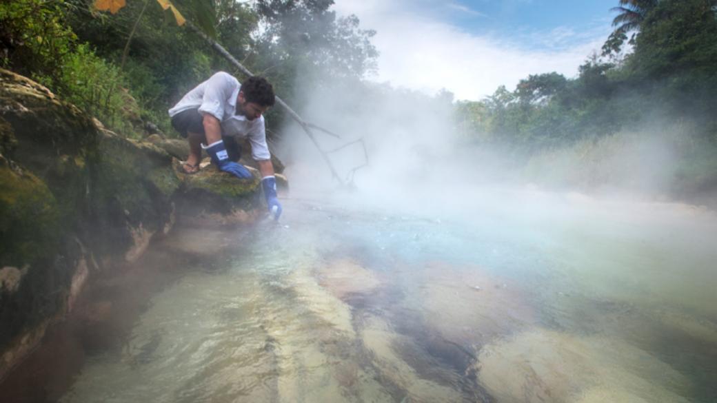 رودخانهای که به دلایلی نامعلوم میجوشد! (+عکس)