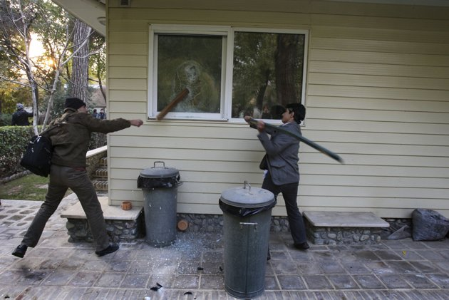 10 تفاوت اشغال سفارت آمریکا با اشغال دو سفارتخانه دیگر